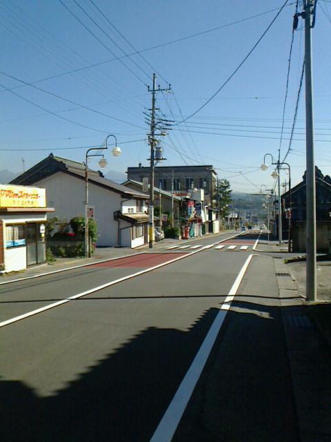 群馬県渋川市上ノ町ヨリ、四つ角方面を映ス